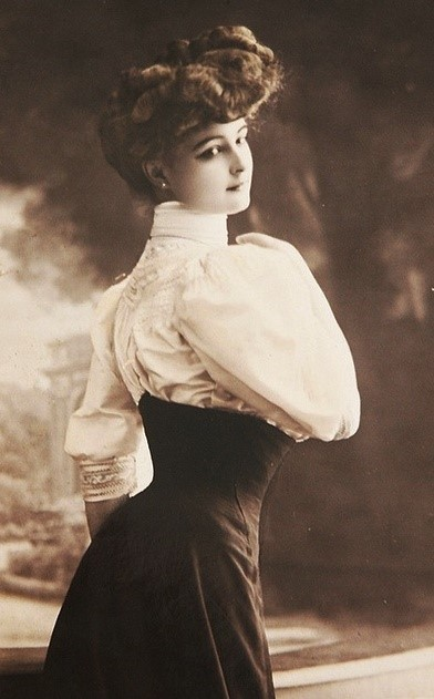 women's fashion to date old photos - the 1900s