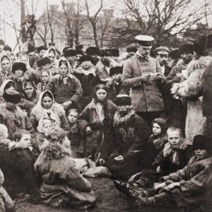 Eastern European Jewish Emigrants along the Russian border